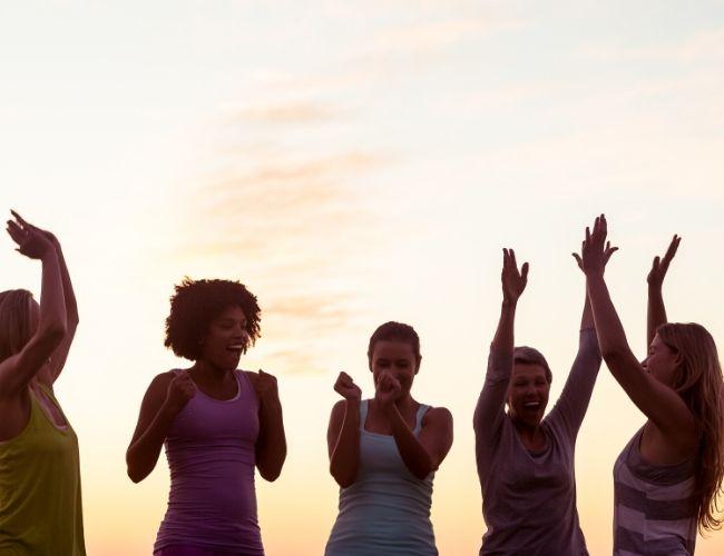 Untersuchungen zeigen jedoch, dass es etwas viel Wichtigeres als Willenskraft gibt, wenn es darum geht, unsere Ziele zu erreichen: den Aufbau von Gewohnheiten.